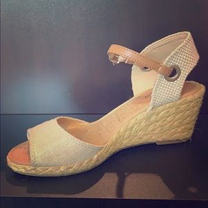 Beige/tan wedges, leather accents